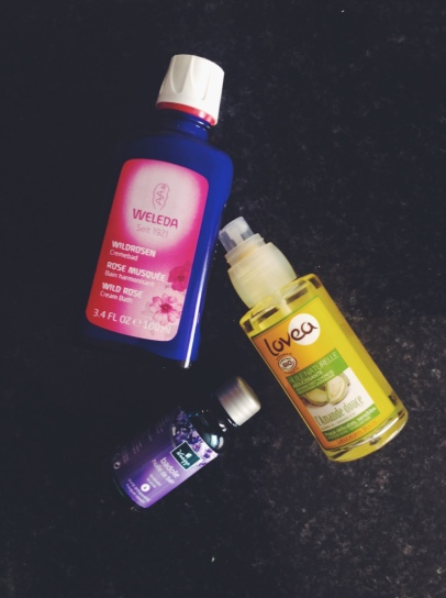 De douchecrème, amandelolie en badolie: twee heerlijke geuren bij elkaar! ( Ja twee want de amandelolie ruik je niet ;) )